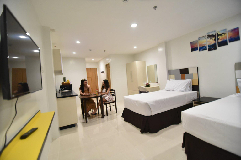 Holiday Oceanview Residences and Resort, Samal City