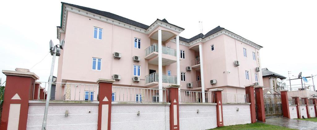 ST Hotel Apartment, Ikpoba-Okha