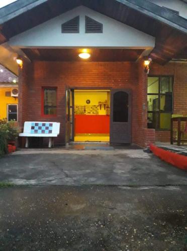 Khop Chai Due Hostel, Thakhek