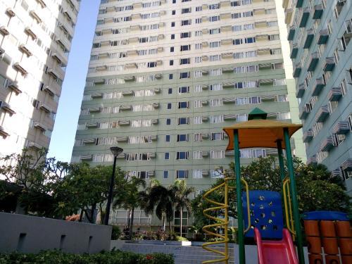 Ridgewood Towers, Makati City