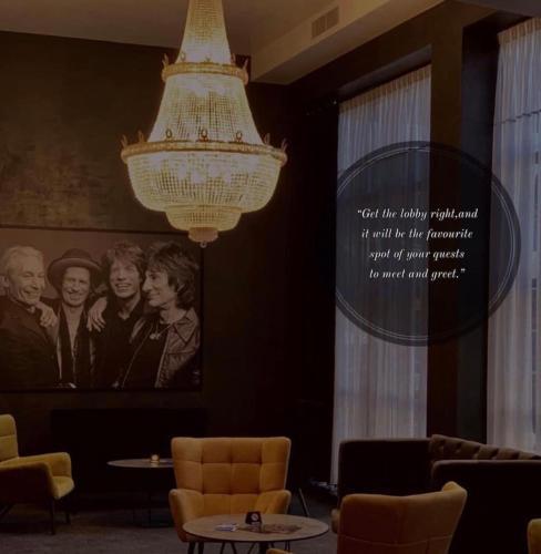Paint It Black Hotel,