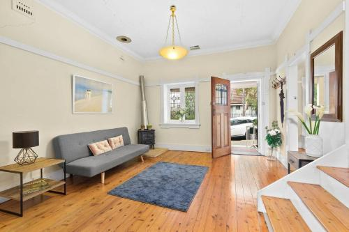 Luxurious 3 Bedroom House close to the city, Leichhardt