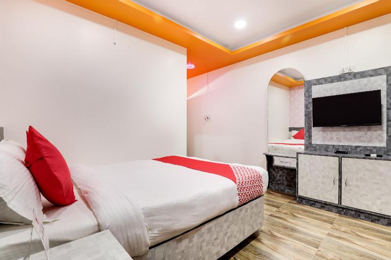 OYO 585 Hotel Raj Durbar & Navrang Resort, Janakpur