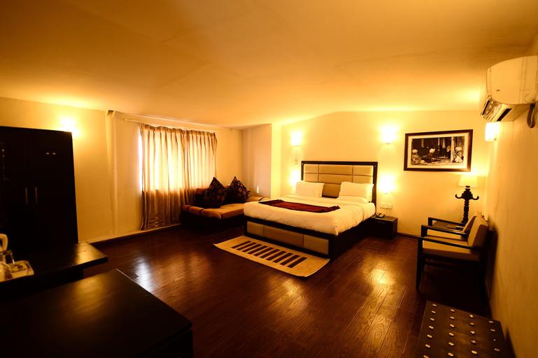 Hotel Aksa Srinagar, Srinagar