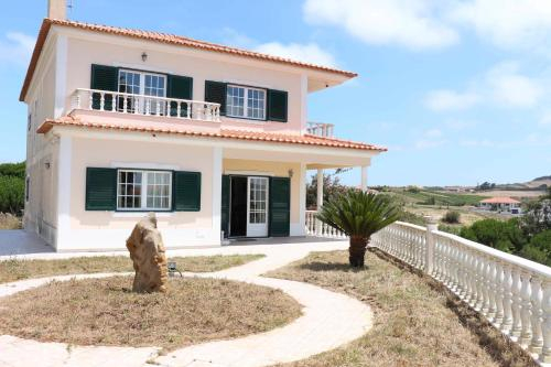 NANA'S VILLA - ERICEIRA FRIENDS & FAMILY HOUSE, Mafra