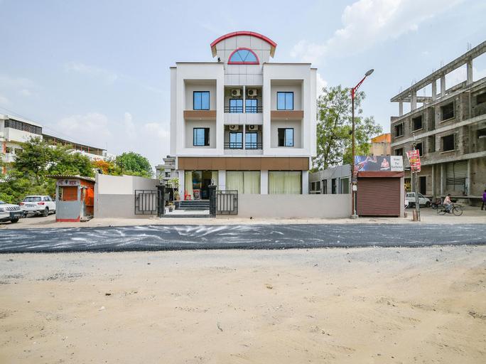 OYO 13810 Hotel The Gentleman, Aurangabad