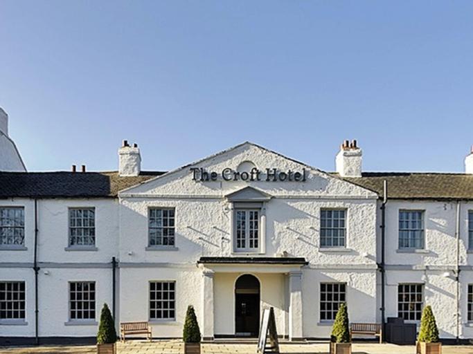 B/W Plus The Croft Hotel, Darlington