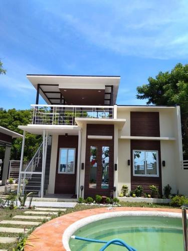 Casa Raya, Caba