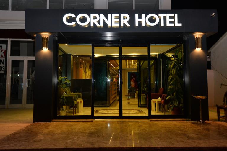 Corner Hotel Van, Merkez