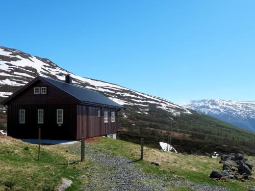 Holiday Home Aurland (FJS385), Aurland
