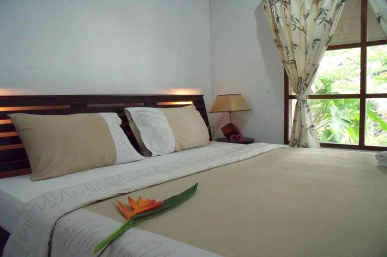 Squid Resort, Ban Laem