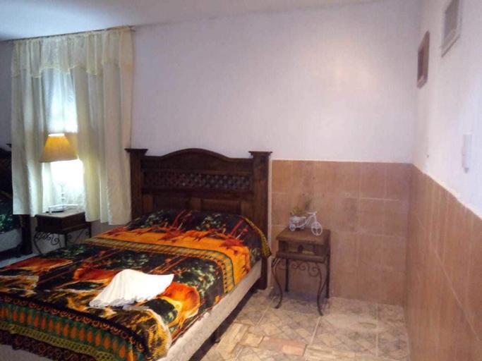 Hotel paz en la Tormenta San Martin, El Tejar