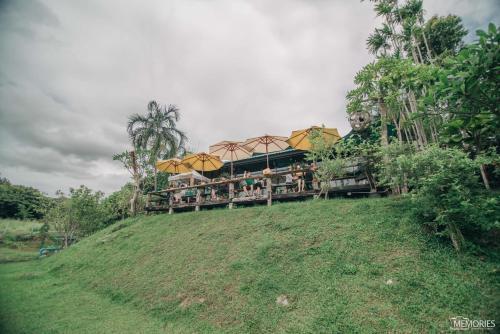 Pagoda Hill Cafe and Resort, Si Racha