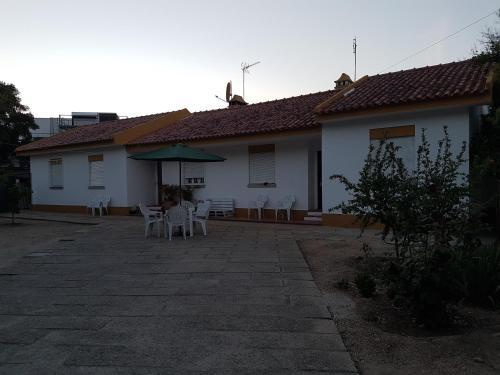 Three Trees ~ Hostel, Ponte de Sôr