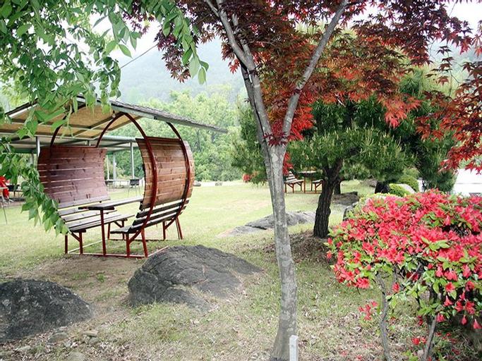 Jirisan Love Mountain Pension, Gurye