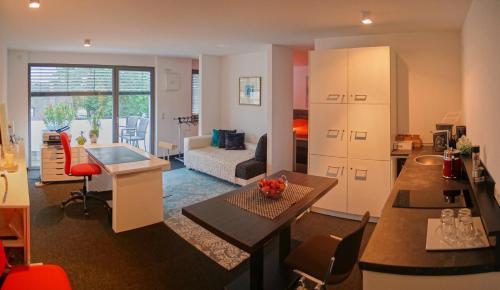 Zimmer - Modernes Apartment mit 45 qm., Straubing