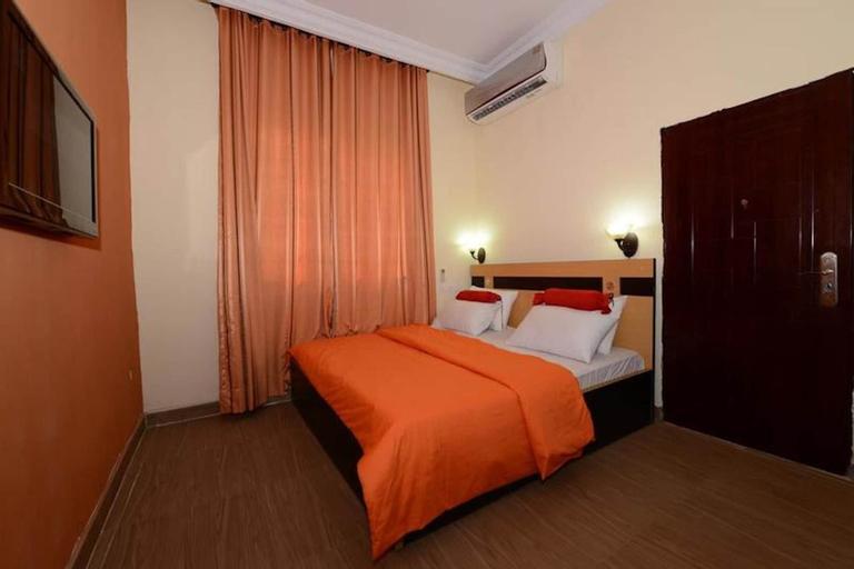 Momak 1 Hotel & Suites, Iseyin