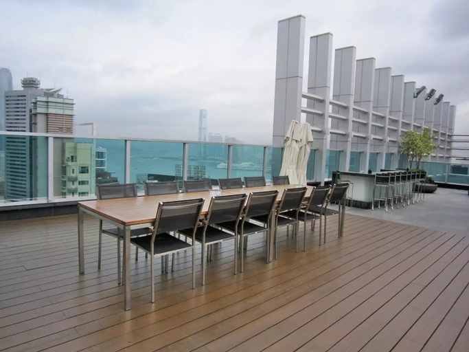 IC Lux Rooftop Pool gym 2BR 3min to MTR, Wan Chai
