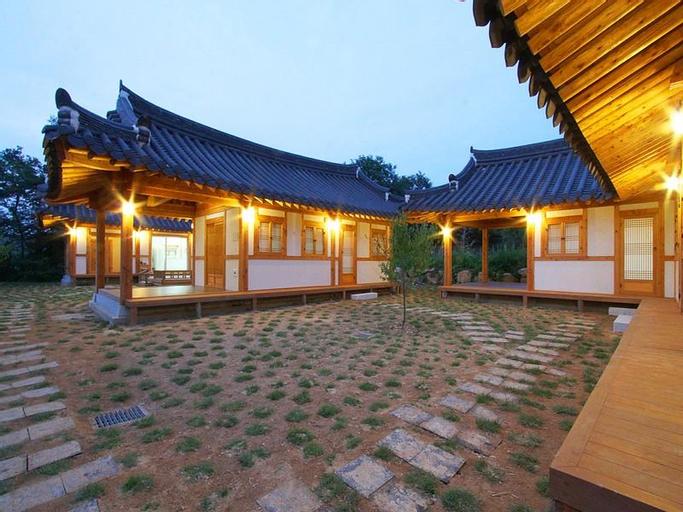 Gyeongju Hanok Pen Town Guesthouse, Gyeongju