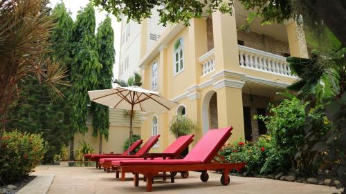 La Villa, Svay Pao