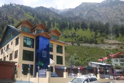 Hotel Neel Gagan, Ganderbal