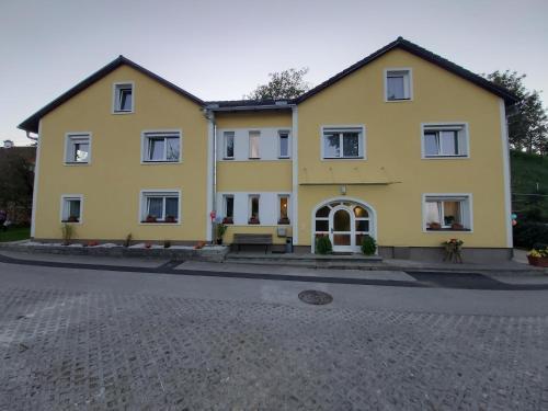 Laudach INN, Gmunden