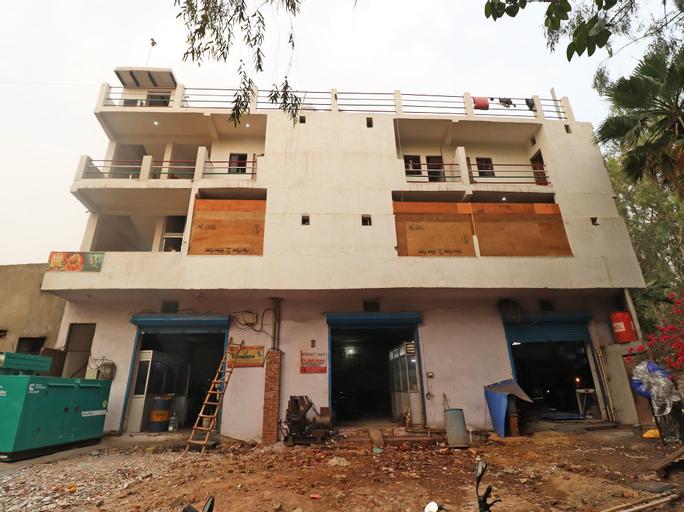 OYO 36723 Hotel Metro, Faridabad