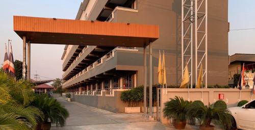Hotel M Rojana Ayutthaya โรงแรมเอ็ม โรจนะ อยุธยา, Bang Pa-In