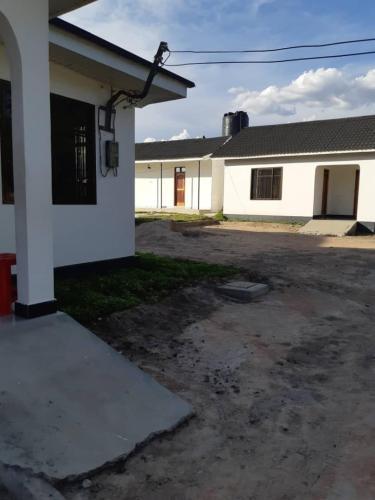 Isinika Apartments, Manyoni