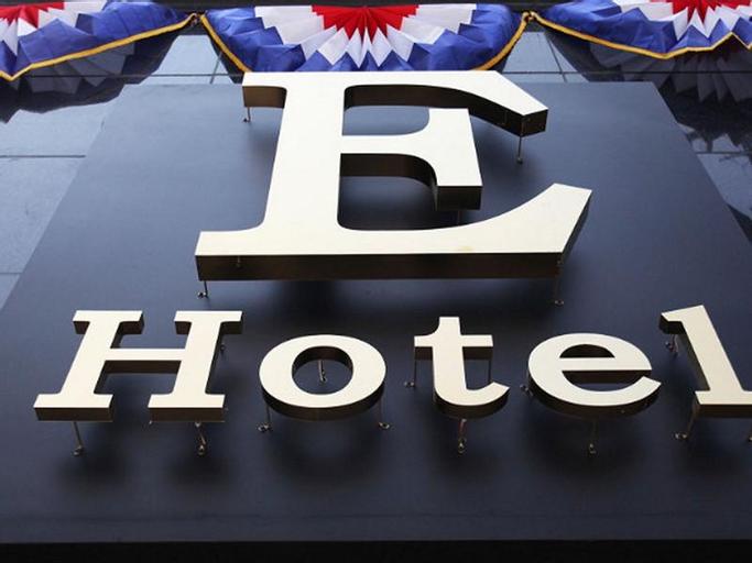 Juan E Hotel, Nam