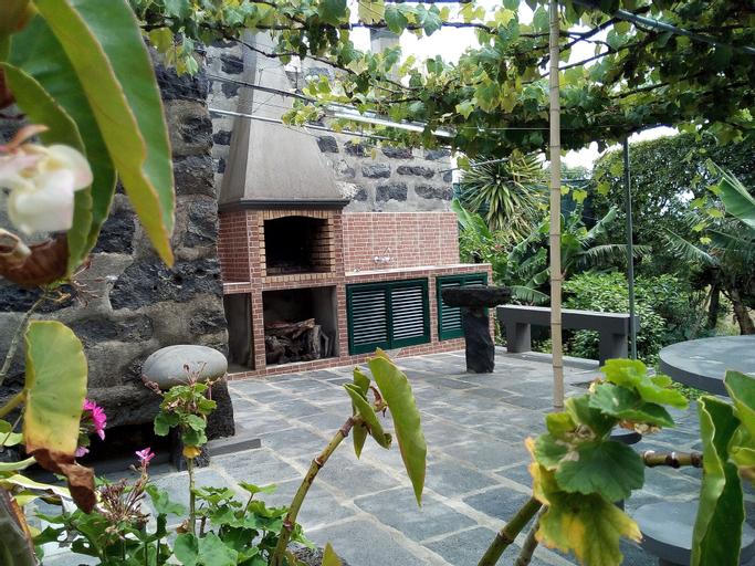 Casa Rústica by Green Vacations, Ponta Delgada