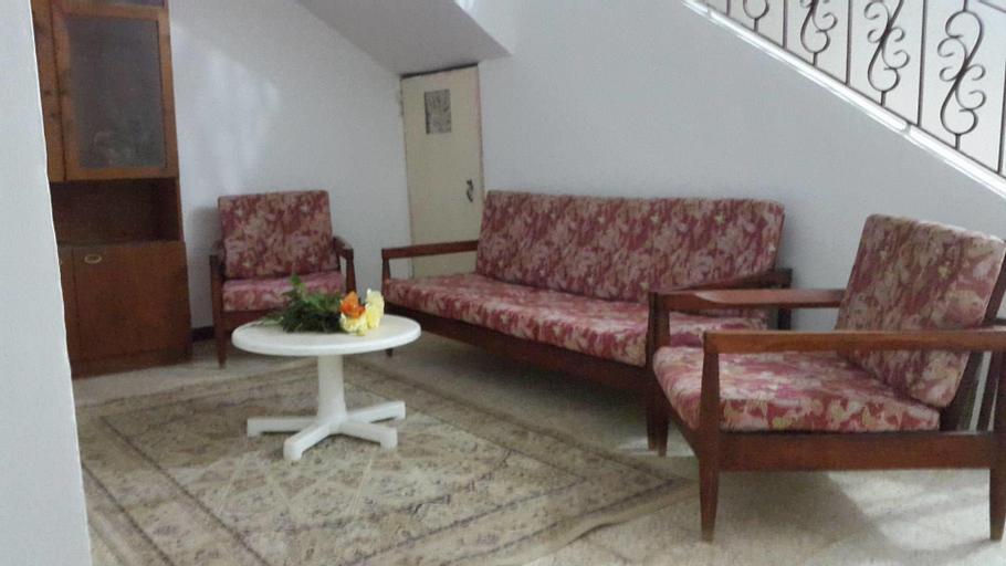a calm corner, Ain Turk