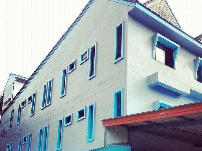 Seabox Hostel, Takua Pa