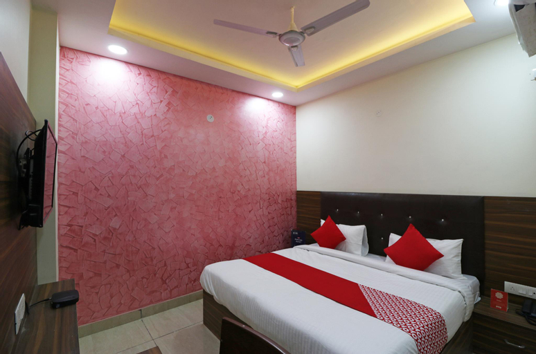OYO 22825 Crown Inn, Faridabad