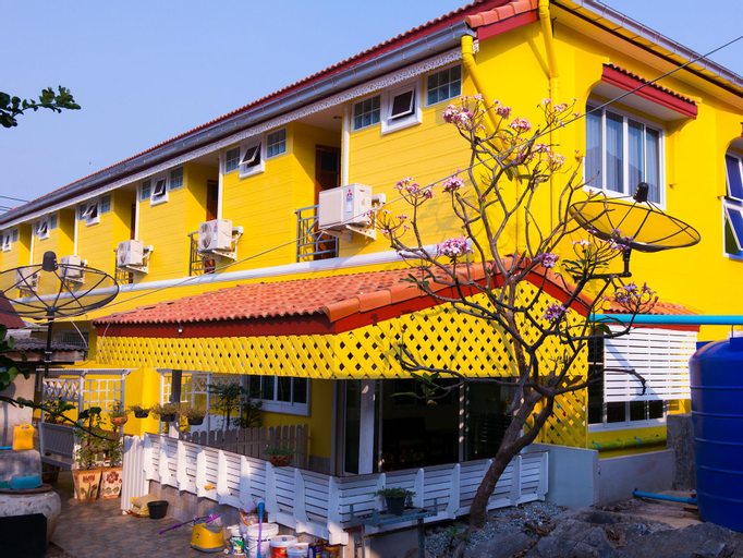 Rakbankerd House, Koh Si Chang