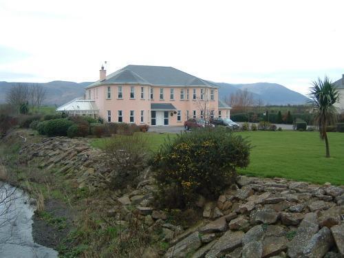 Brook Manor Lodge,