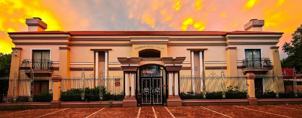 Caesars Guesthouse & Conference Centre, Fezile Dabi