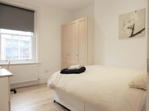 Double Room, Chatham Dockyard, Medway