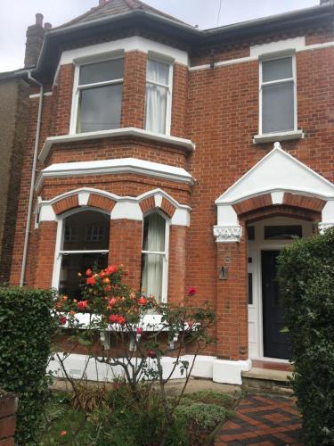 Spacious Victorian House, London