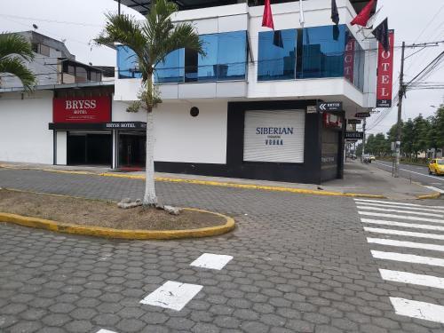 BRYSS HOTEL, Santo Domingo de los Colorados