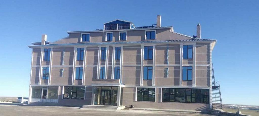 Yukselen Otel, Karayazı