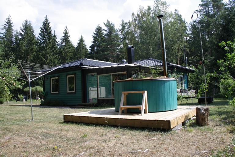 En villa mitt på svenska naturen, Flen