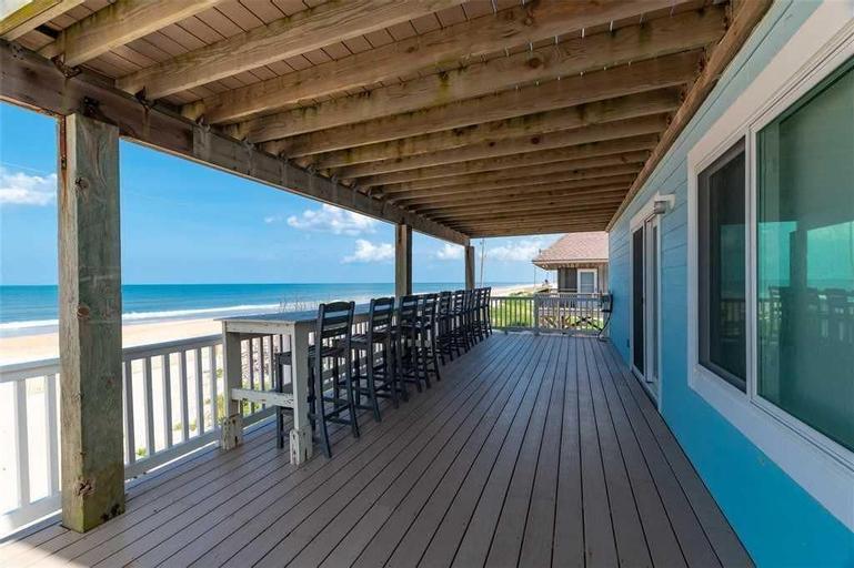 Beachfront Sapphire - Six Bedroom Home, Saint Johns