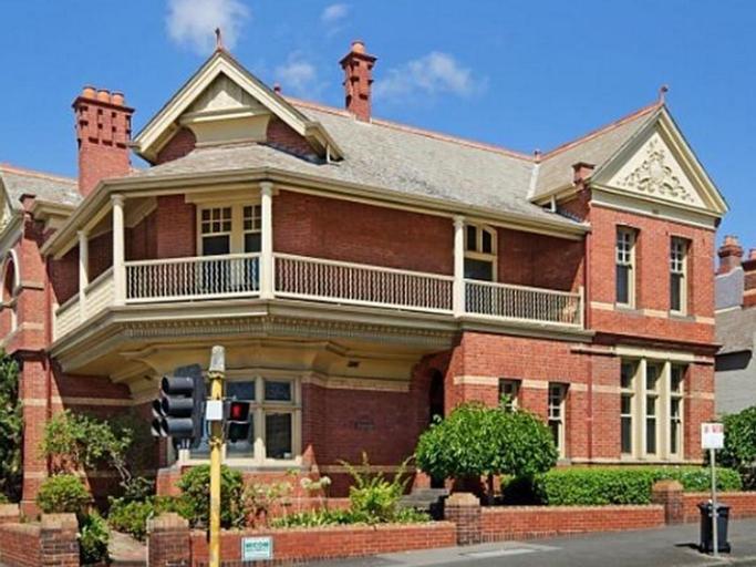 Gatehouse on Ryrie, Geelong