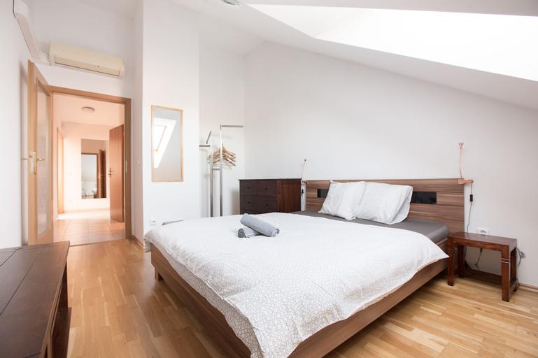 Premier Apartment Vysehrad, Praha 5