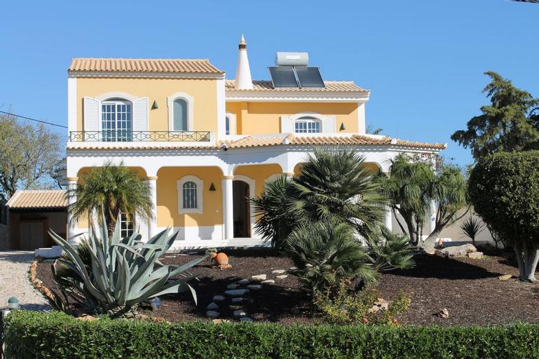 11 Villa Coelho by Pechao, Olhão