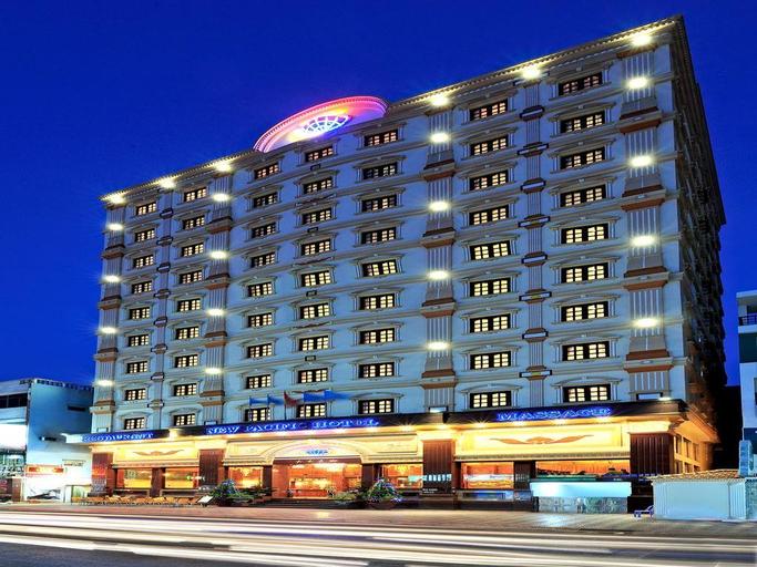 New Pacific Hotel, Quận 3