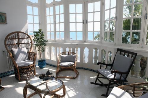 Grand appartement avec vaste terrasse privative en bord de mer, La Goulette