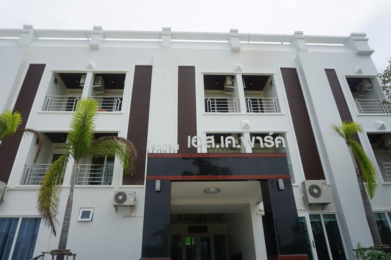 S.K. Park Hotel, Pa Payom