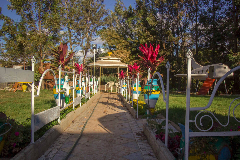Signal Gardens Hotel, Kitui Central
